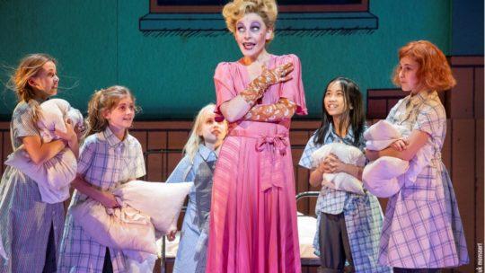 Internationale musicalster schittert in 'Annie, de Musical'