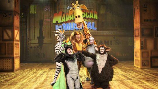 Uitbundige beestenboel op première van 'Madagascar, de musical'