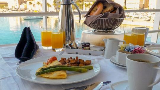 6 tips voor het perfecte vakantiegevoel aan de ontbijttafel