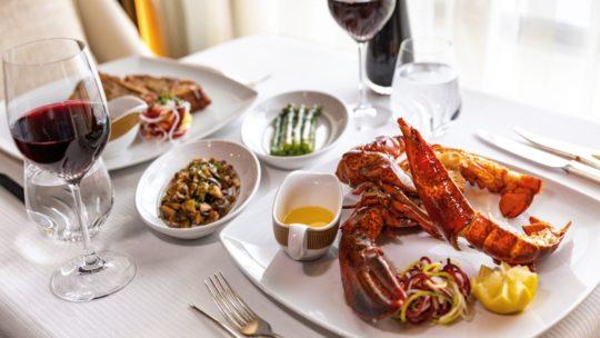 Combineer een buitengewone cruise met een diner in een Europees Michelin restaurant