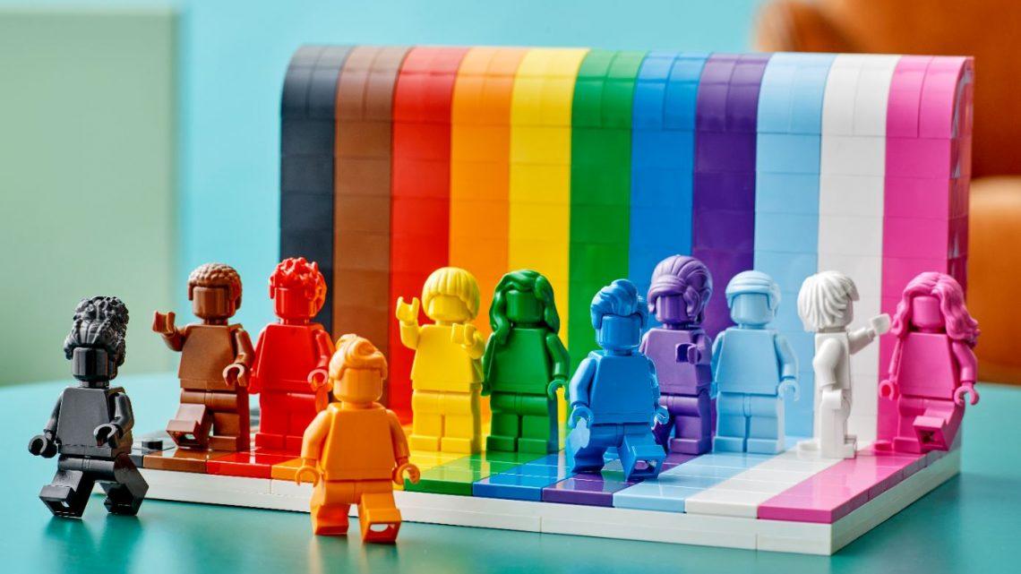 Iedereen is super! Lego viert diversiteit in alle kleuren van de regenboog